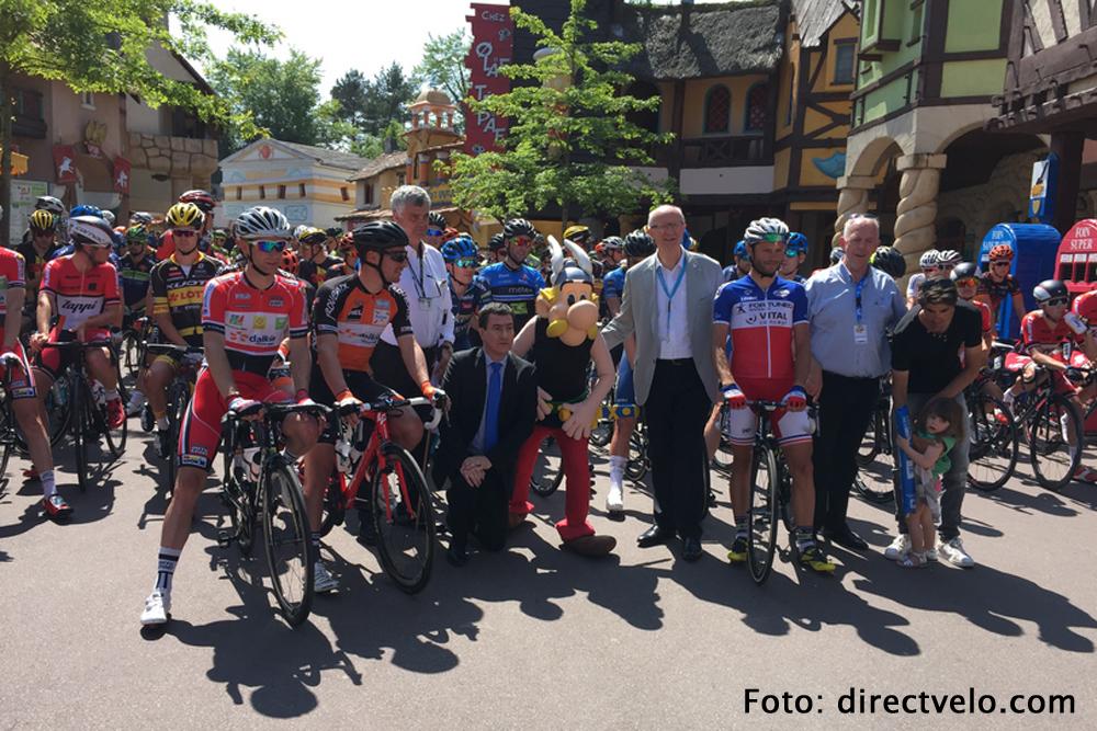 Starten in Parc d'Asterix bij de Tour de l'Oise