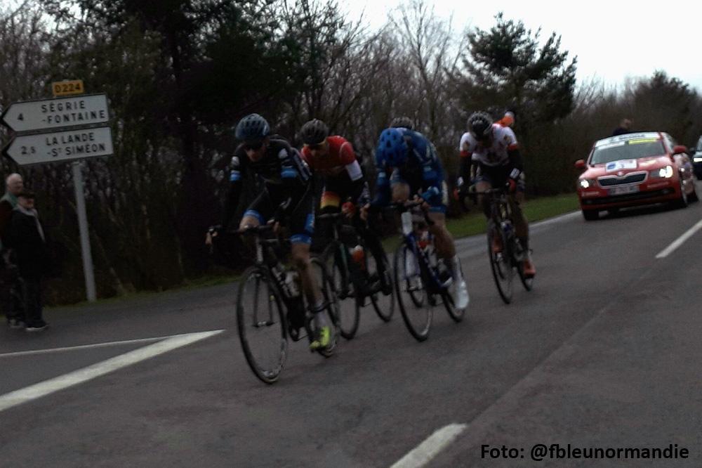 Jasper de Laat kleurt vijfde etappe Normandië